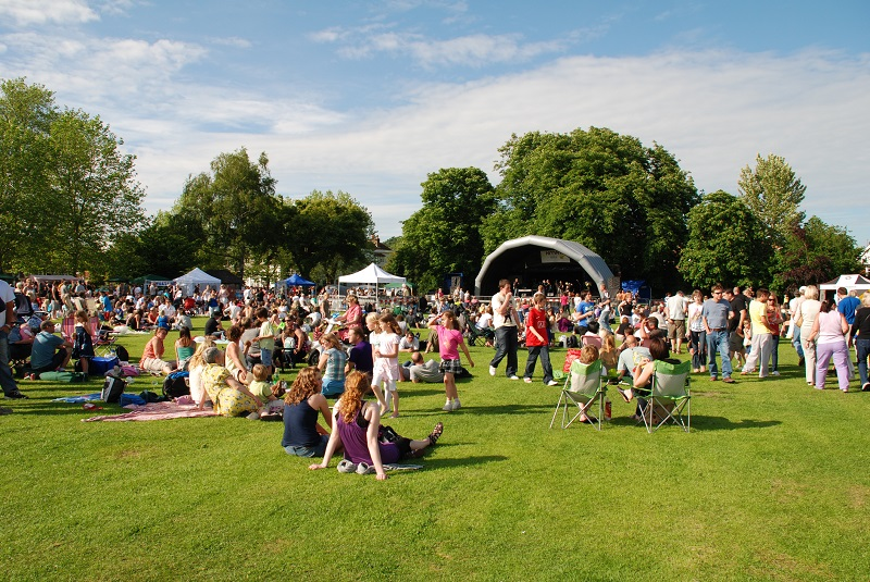 SIMPLE WAYS TO ENHANCE A COMMUNITY EVENT